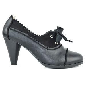 Black Trimmed Cut Lace-Up Vintage Heeled Oxford